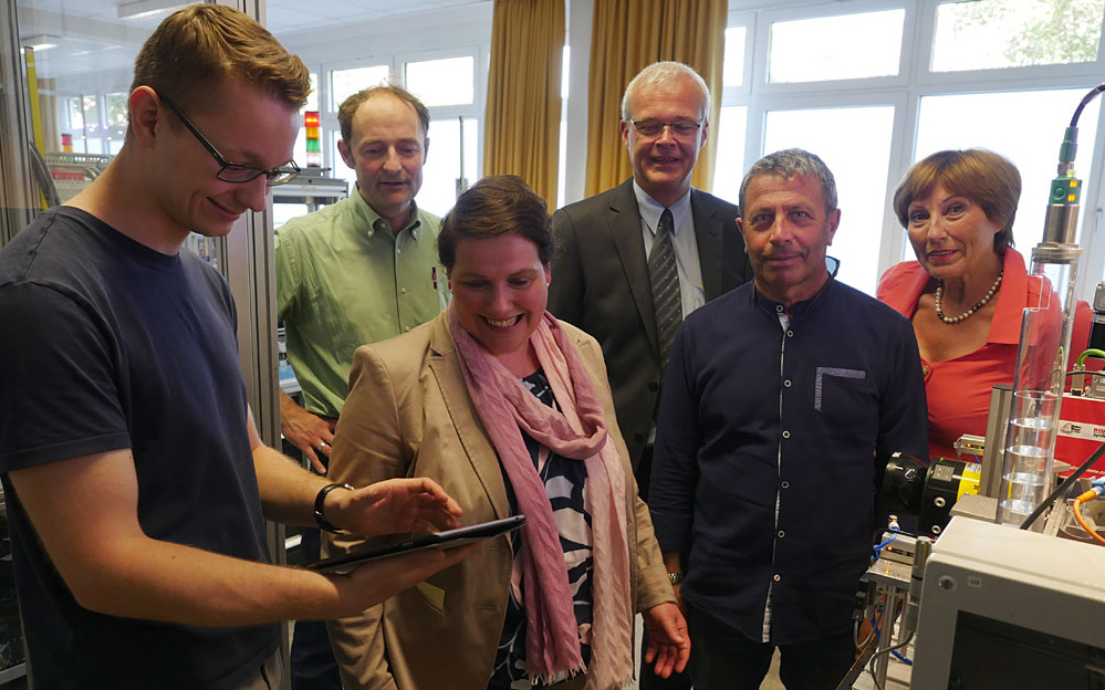 BBS 2 Wolfsburg eröffnet Smart Factory Labor für die Digitalisierung